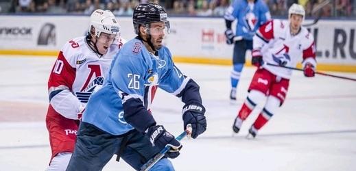 Michal Řepík v Bratislavě válí.