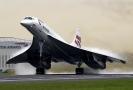 Nadzvukový letoun Concorde společnosti British Airways (2001).