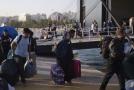 Řecko odváží žadatele o azyl z přeplněného tábora na Lesbu.