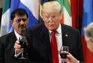 Americký prezident Donald (uprostřed) na obědě po Valném shromáždění OSN.