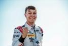 George Russell bude v příští sezoně závodit ve Formuli 1.