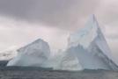 Obří ledovec, který se objevil v severním Atlantiku.