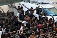 Stovky migrantů pronikly do španělské enklávy, jeden zemřel