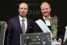 Nejlepším českým sommelierem roku je opět David Král (na snímku uprostřed).