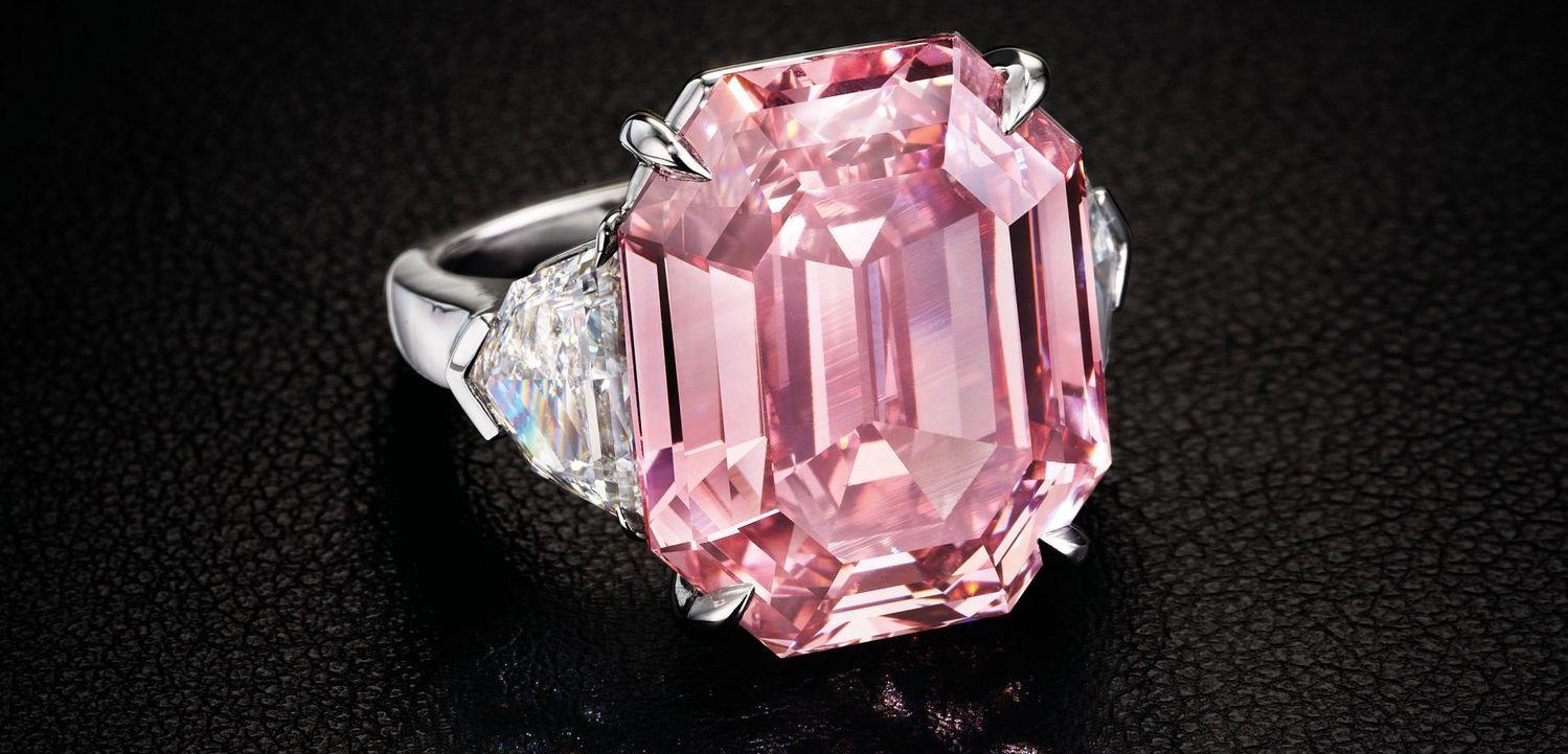 Do dražby míří růžový diamant Pink Legacy. Padne rekord   5e20f05cba6