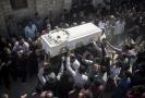 Sobotní pohřební průvod.