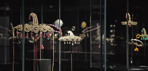 Snímek odcizených šperků.