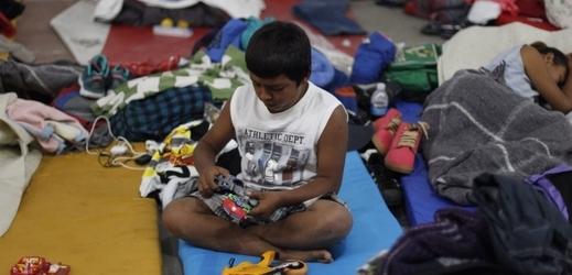 Mezi migranty je téměř dva tisíce dětí.