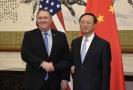 Americký ministr zahraničí Mike Pompeo (vlevo) a čínský státní tajemník Jang Ťie-čch'.