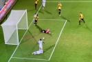 V izraelské lize padl bizarní gól.