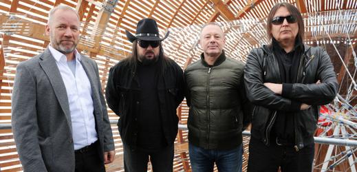Na snímku zleva David Koller, Robert Kodym, Michal Dvořák a P.B.CH. alias Petr Chovanec.