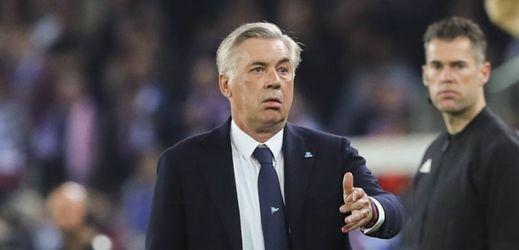 Carlo Ancelotti byl v Neapoli hodně zaskočen chováním fanoušků.
