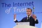 Francouzský prezident Emmanuel Macron nastínil svou představu o bezpečnosti internetu.