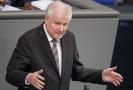 Horst Seehofer chce pokračovat ve funkci ministra vnitra, podle německých občanů by ale měl skončit.