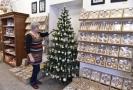 Na Zlínsku vystavují nejmodernější vánoční ozdoby inspirované historií.