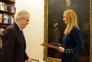 Prezident Miloš Zeman při předal vyznamenání tenistce Petře Kvitové.