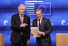 Michel Barnier (vlevo) a Donald Tusk.