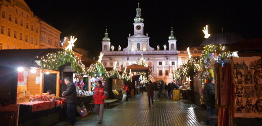 Snímek z loňských vánočních trhů v Českých Budějovicích.