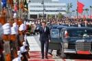 Prezident Emmanuel Macron se účastnil slavnostní první jízdy.