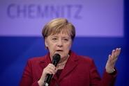 Merkelová připustila, že v migrační politice vláda udělala chyby