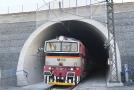 Nejdelší železniční tunel v Česku měří přes čtyři kilometry.