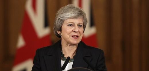 Theresa Mayová v komentáři pro The Sun bránila současnou podobu dohody.