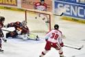 Hokejisté Sparty podlehli ve 20. kole extraligy doma Olomouci 4:6 a potřetí za sebou nebodovali.