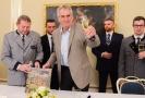 Prezident Zeman pokřtil knihu o lánské zámecké oboře.