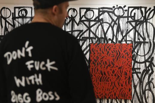 Streetart artist Škapa turned Villa Pellé into the graphite space