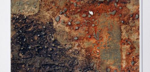 Na snímku je Boudníkova strukturální grafika Měsíční krajina z let 1960-1962.
