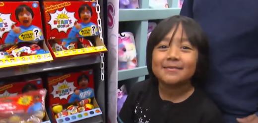 Sedmiletý chlapec Ryan vydělává na YouTube nejvíce peněz.