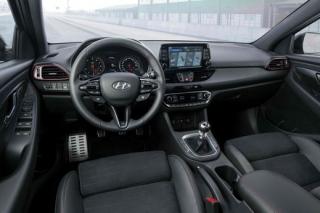 Ostrý Hyundai i30 Fastback N vstupuje na český trh.