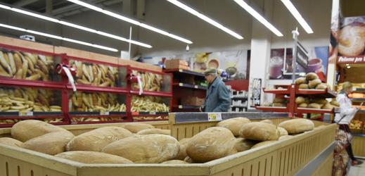 Nakupování v supermarketu.