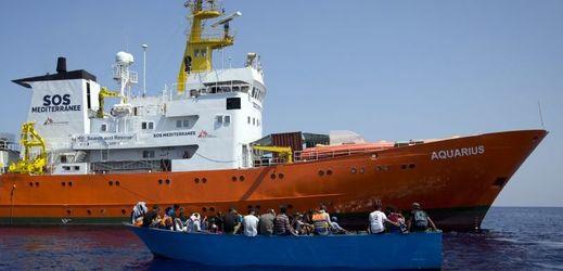 Organizace MSF a SOS Méditerranée ukončily operaci lodě Aquarius.