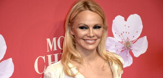 Herečka Pamela Andersonová.