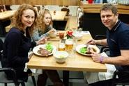 Markéta Hrubešová vyvezla rodinku na hory. Nejvíce ji zajímalo jídlo!
