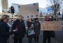 Skupina protestujících proti brexitu.