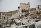 Město Saná v Jemenu po náletu saudských letadel.