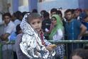 Premiér chce pro dětské uprchlíky vystavět vesničku poblíž Damašku, přijímat je odmítá.