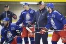 Čeští hokejisté předvedli pod trenérem Milošem Říhou starším první velký obrat, když Finy na úvod Channel One Cupu porazili 4:3 v nájezdech.