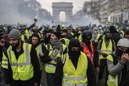 """""""Žluté vesty"""" se opět mobilizují. Jejich cíl: Macronova demise"""