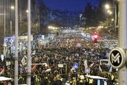 Tisíce lidí protestovaly v Budapešti proti novele zákoníku práce