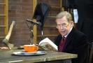 Václav Havel v Divadle Husa na provázku během zkoušky jeho hry Odcházení, 2008.