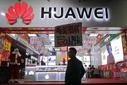Bezpečnostní hrozba. Vláda se zbavuje mobilů od Huawei