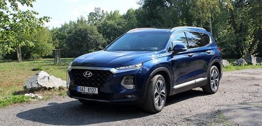 Hyundai Santa Fe zepředu.