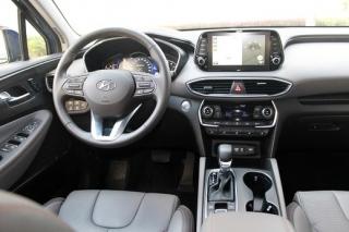 Interiér Hyundai Santa Fe.