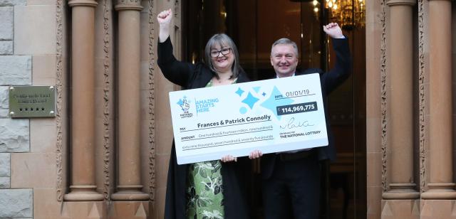 Britský pár vyhrál 115 milionů liber v loterii fd77762975