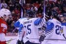 Američané a Finové slaví postup do finále, Kazaši záchranu
