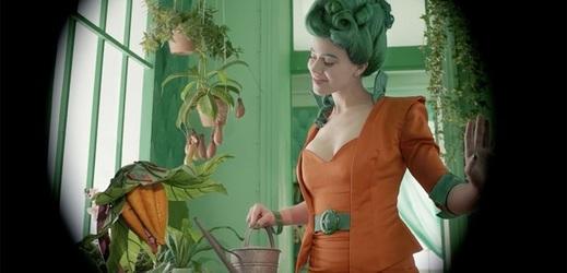 Snímek z filmu Kráska k nakousnutí.