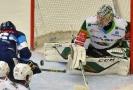 Hokejový brankář Filip Novotný prodloužil o dva roky smlouvu s Karlovými Vary.